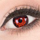 Das Produktfoto zeigt unsere Crazy rote Farbige Kontaktlinse Cataclysm in einem echten Auge