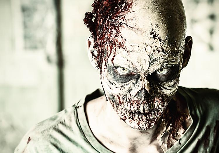Unser Geheimtip für ein Halloween Zombie Kostüm: Offene Make Up Wunden